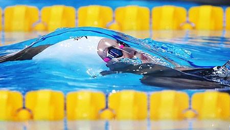 عکسهای جالب,عکسهای جذاب,شناگر کانادایی