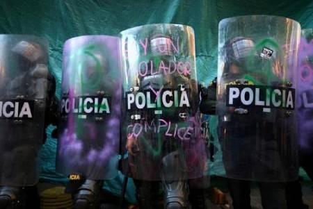 عکسهای جالب,عکسهای جذاب,خشونت پلیس