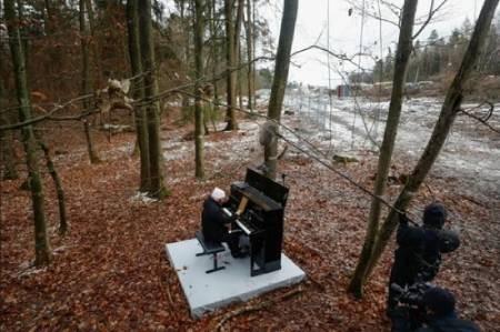 عکسهای جالب,عکسهای جذاب,هنرمند پیانیست