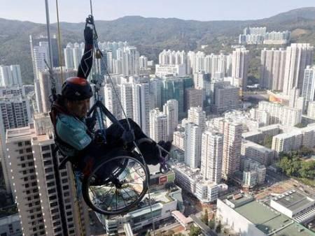 عکسهای جالب,عکسهای جذاب,معلول هنگ کنگی