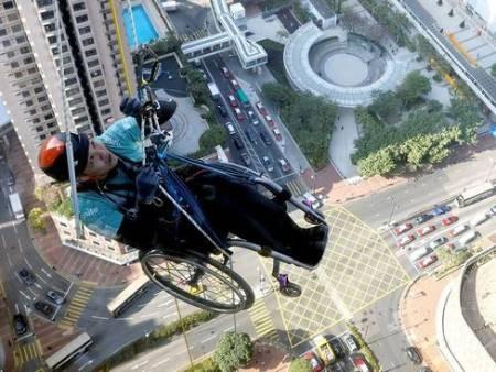 عکسهای جالب,عکسهای جذاب, معلول هنگ کنگی