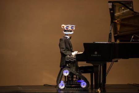 عکسهای جالب,عکسهای جذاب,روبات نوازنده