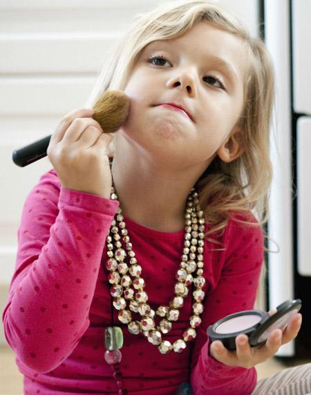 زمان شروع آرایش دختران, دختران از چه موقع میتوانند آرایش کنند,بهترین زمان شروع آرایش دختران