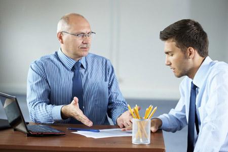 رفتار با انتقاد دیگران, روش صحیح انتقاد از دیگران, انتقاد کردن چیست