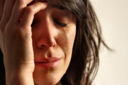 افسردگی شدید,علایم افسردگی شدید,زن مبتلا به افسردگی شدید