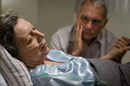 رفتار با بیمار در حال مرگ ,برخورد با بیمار در حال مرگ,چگونگی برخورد با بیماران در حال مرگ