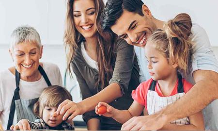 علت دور شدن اعضای خانواده از یکدیگر,دور شدن اعضای خانواده از یکدیگر,راهکارهای نزیک شدن اعضای خانواده به هم