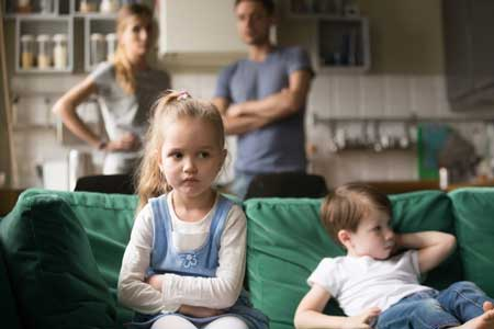 تنفر از فرزند,علت تنفر از فرزند,تنفر از داشتن فرزند