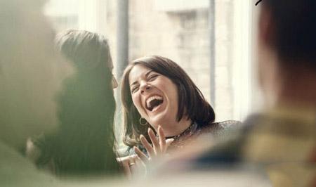 خنده های بی اختیار, خنده های غیرارادی,علت خنده های غیر قابل کنترل