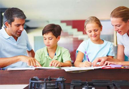 نقش والدین در امور تحصیلی فرزندان,نقش والدین در امور تحصیلی فرزندان چگونه باید باشد,نقش خانواده در پیشرفت تحصیلی فرزند