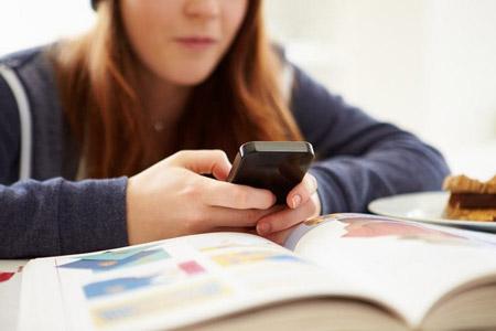 اعتیاد به گوشی را در دوران کنکور,اعتیاد به گوشی در دوران درس و کنکور,روش های گوناگون برای کنار گذاشتن گوشی همراه موقع کنکور