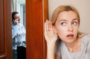 همسر شکاک,همسر بدبین و شکاک,علت شکاکیت در همسر