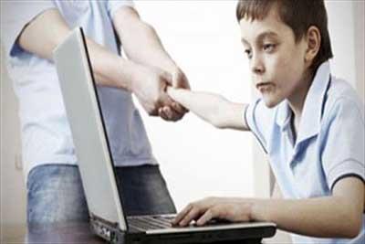 آسیب های فضای مجازی کودکان
