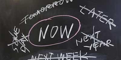 مشاوره خانواده|کارهای امروزت را به فردا میفکن. یا بیفکن؟!