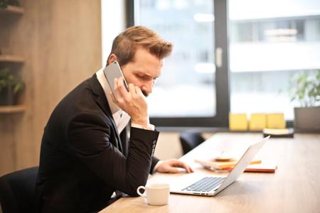 صحبت کردن با تلفن به شیوه حرفه ای ها