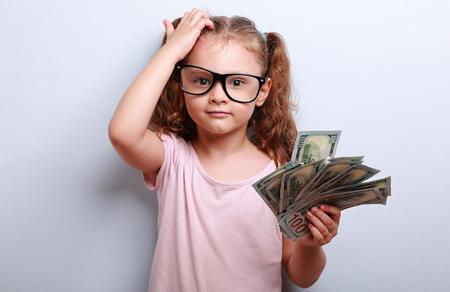 پساندازکردن در بچه ها, چگونگی استفاده کودکان از پول, اموزش ارزش پول به بچه ها