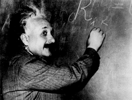 نظریه های آلبرت انیشتین,حقایقی درباره انیشتین