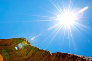 آسمان,علت آبی رنگ بودن آسمان,علت زرد رنگ بودن خورشید