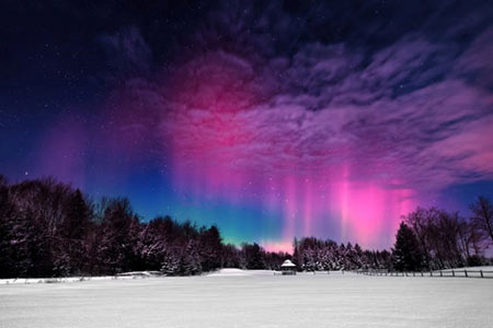 شفقهای قطبی,شفق قطبی چیست,چگونگی ایجاد شفق های قطبی