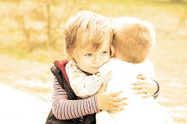 کودکان,دوران کودکی,دوستی در دوران کودکی,تاثیر دوستی بر شخصیت افراد