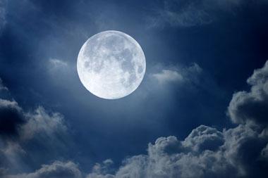 نتیجه تصویری برای ماه