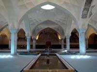 مطالب داغ:  کشف راز گرم شدن حمام شیخبهایی با یک شمع