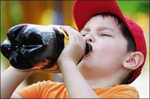 نوشیدنیهای گازدار,کودکان خشن,عوارض مصرف نوشابه در کوردکان