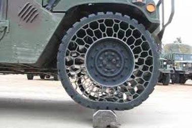 خودروهای همهجارو,خودروهای MV850 مجهز به لاستیکهای ضد پنچر,لاستیک بدون هوا