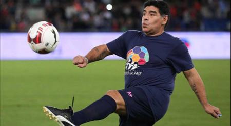 مارادونا, مارادونا کیست, مارادونا در چه تیمی از فوتبال خداحافظی کرد