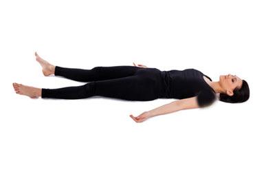 آموزش حرکات مفید در ورزش صبحگاهی عکس آموزش حرکات یوگا برای کاهش استرس و افزایش قدرت + تصاویر