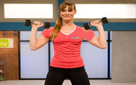 hhs2222  ۴ تمرین ساده برای تقویت عضلات بازو و شانه + تصاویر