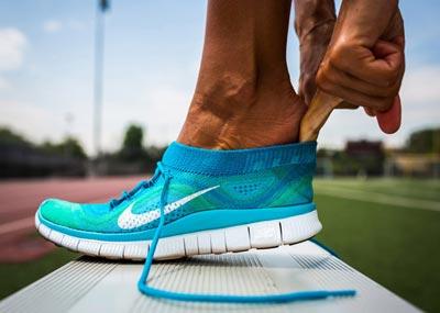 کفش ورزشی,علائم نامناسب بودن کفش ورزشی,ویژگیهای کفش ورزشی مناسب