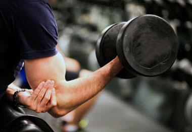دمبل, تقویت عضلات سینه, تقویت عضلات بازو