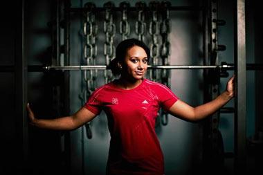 خانم ها اينطوري ورزش كنند / داشتن بدن عضلاني براي خانم ها