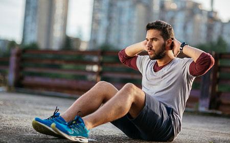 درازونشست برای لاغری شکم,کوچک کردن شکم با دراز نشست امکان پذیر است,دراز و نشست باعث لاغری شکم میشود