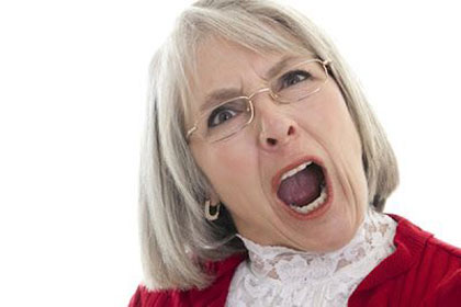 پرخاشگري سالمندان,نحوه ي رفتار با سالمند پرخاشگر,خشونت سالمندان