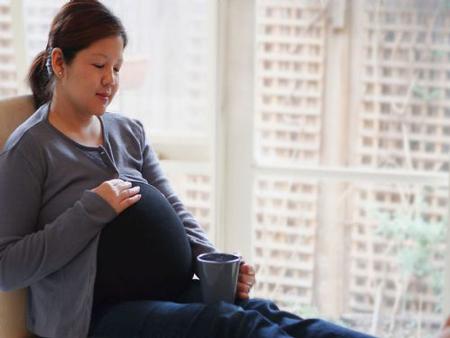 مصرف عرق کاسنی در بارداری,استفاده کاسنی در بارداری,فواید استفاده کاسنی در بارداری