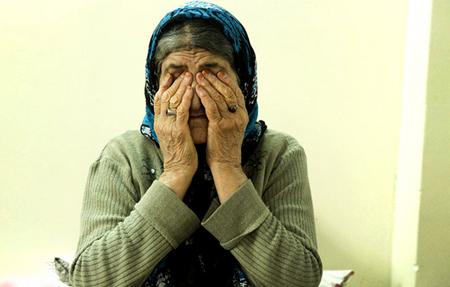 سالمند آزاری به مفهوم رفتاری است که از شخص یا اشخاص مراقبت کننده از سالمند سرمی زند و سبب اسیب و کاهش کیفیت زندگی وی ميشود .