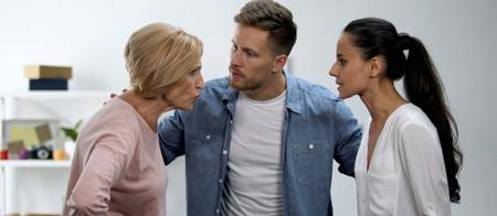مادر شوهر, رفتار با مادر شوهر