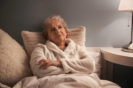 منفی بافی در سالمندان, دلایل منفی بافی در سالمندان, علت منفی بافی در سالمندان