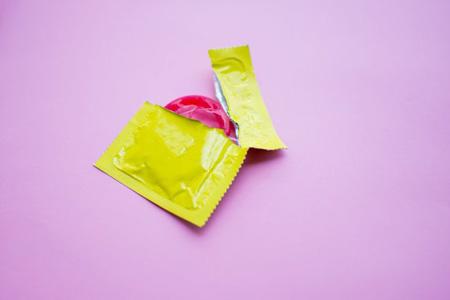 کاندوم چیست ,انواع کاندوم, کاندوم