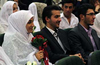 آشنایی دختر و پسر در دانشگاه,انواع ازدواجهای دانشجویی,منتقدان ازدواجهای دانشجویی