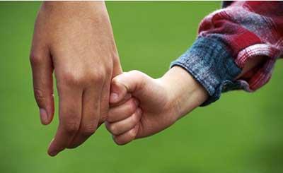 همزبانی و همدلی با پدر و مادر