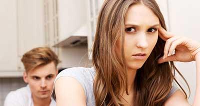رفتار نامناسب با همسر
