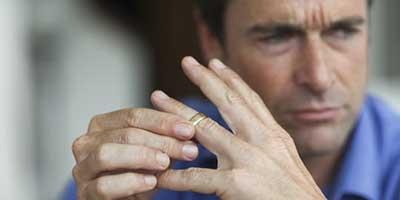 طلاق براي مردان سخت تر است