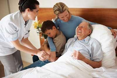 دوران سالمندی, افسردگی سالمندان, خانواده