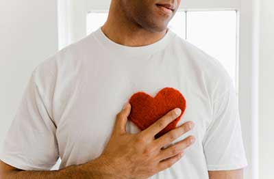 دانستنیهای قبل از ازدواج|نشانههاي عاشق شدن يك مرد را بشناسيد