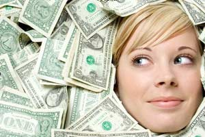 شما از همسرتان عشق می خواهید یا ثروت