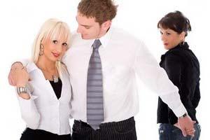 رفتارهایی که خیانت همسر را می رساند